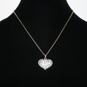 """Beautiful silver and rhinestone heart necklace 17"""""""